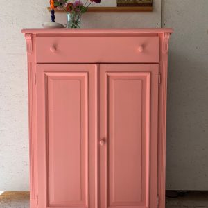 Vintage roze meidenkast H 140 x B 100 x D 39,5 foto